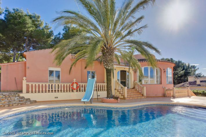 Beautiful villa for sale in Toscamar, Javea - 450,000 €