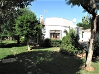 Small villa for sale in Denia