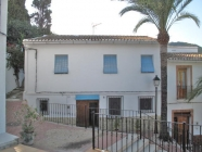 Town house for sale in the centre of El Rafol