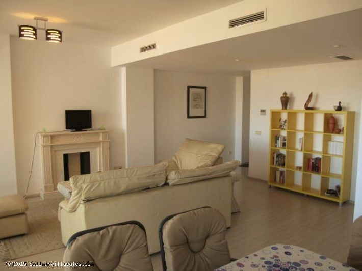 Apartment with sea views for sale in Denia