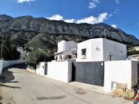 Large villa for sale in Denia