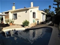 Villa for sale in La Sella, Pedreguer.
