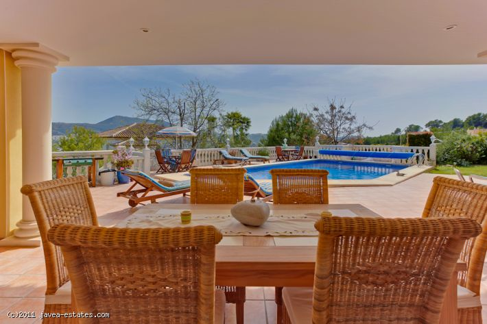 Modern 7 bedroom villa in the Tesoro Park area of Javea.
