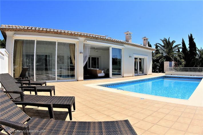 Luxury villa for sale in Denia - 850,000 €